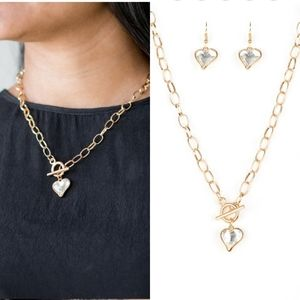 Gold heart necklace- paparazzi